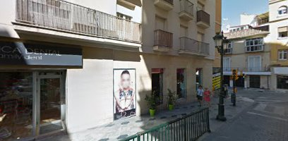 CLINICA DENTAL | Family Dent Málaga